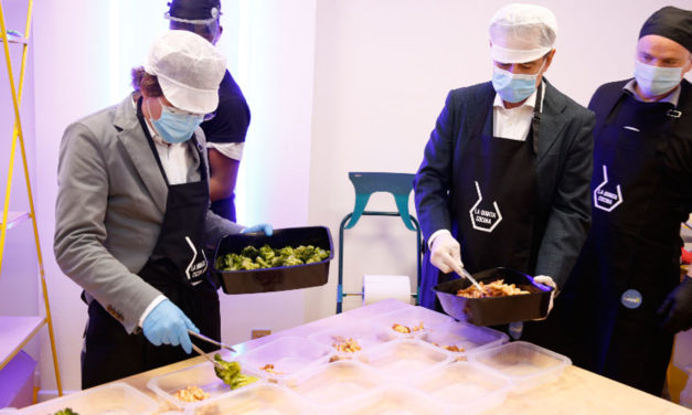 Fundación MAPFRE se une al Ayuntamiento de Madrid y CESAL para repartir 60.000 almuerzos a personas vulnerables en el distrito madrileño de Villaverde