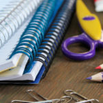 2.000 escolares vulnerables reciben material escolar básico para la vuelta al cole