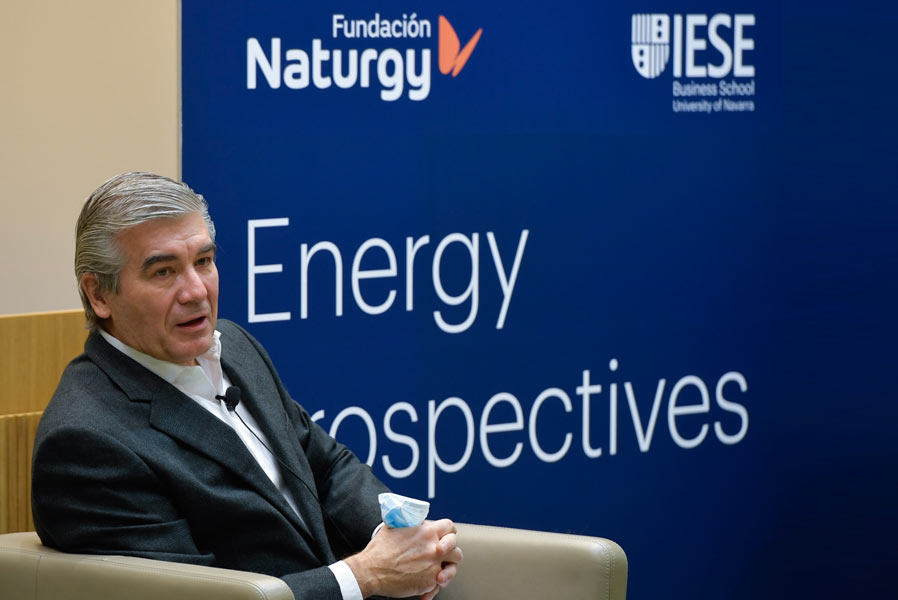 Arias Cañete destaca el papel del sector energético en la reducción de emisiones y reclama más ambición en los objetivos de eficiencia energética