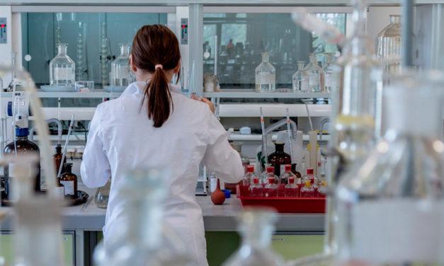 La AECC continúa impulsando la investigación a través de su nueva convocatoria de Ayudas 2021