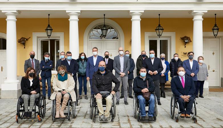 Fundación ONCE y Ford España facilitan 11 vehículos adaptados a organizaciones de personas con discapacidad
