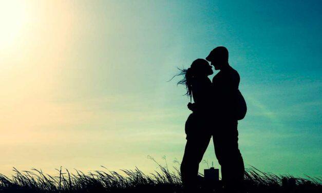 La convivencia en pareja de las jóvenes y la fecundidad caen a su nivel más bajo